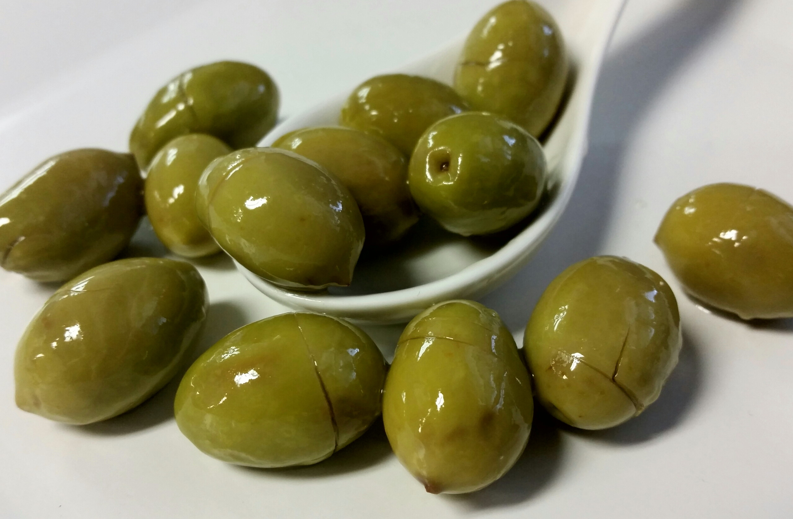 Greek Green Cracked Naflion Olives per lb.